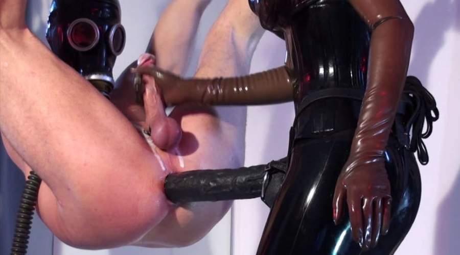 Mistress di Catanzaro amante dello strapon cerca giovani slave