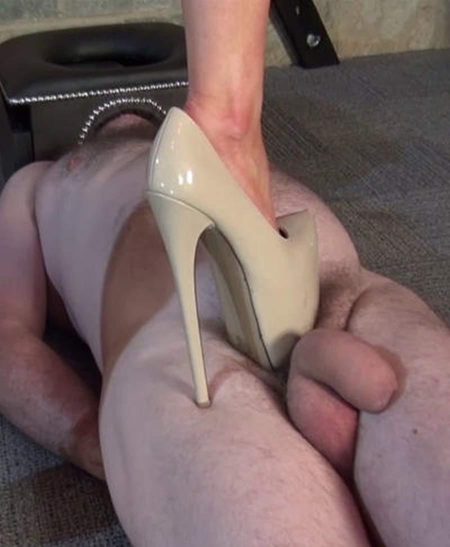 Top mistress amante del trampling cerca slave a Roma